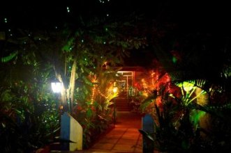 Palm Grove Cottages Leisure Resort