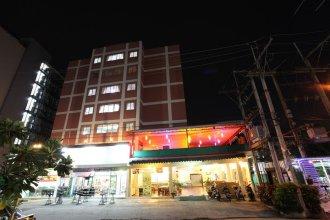 Monaa's Place Pattaya