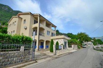 Apartments Ćosović
