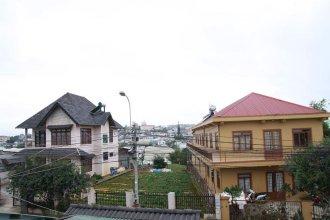 Vivian's House