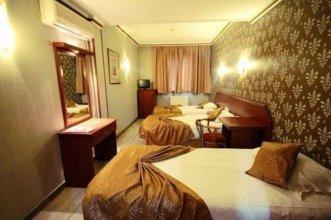 Uzun Jolly Hotel
