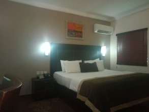 Neocourts Hotel