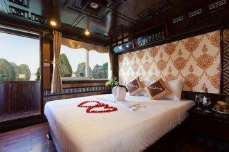 Halong Bay Hai Au Cruise