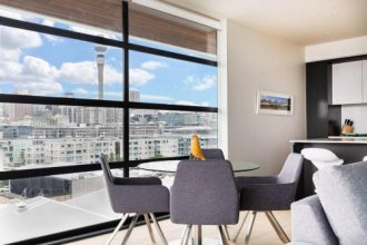 Stunning Luxury Condo at the Waterfront