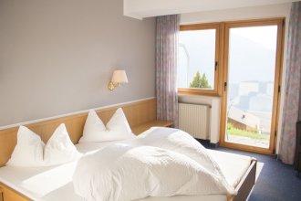Schenna Garni Eden Bed & Breakfast