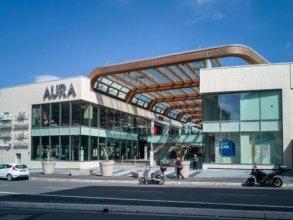 Aura Holiday House