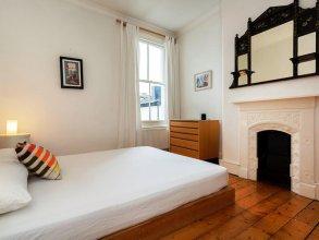Veeve 2 Bed House Hazeldene Road Chiswick