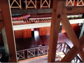 Anh Hoa Stilt House