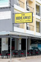 Hideaway Guest House And Bar