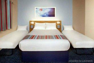 Travelodge Borehamwood Hotel