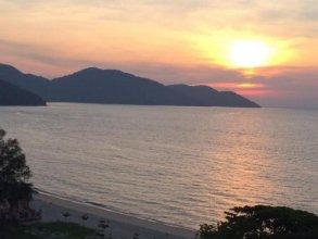 By The Sea Batu Ferringhi Paradise Suite