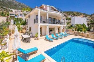 Villa Alternatif by Akdenizvillam