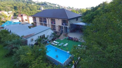 Aloiza Lux Guest House