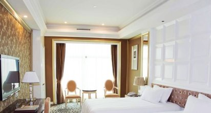 Silvery Holiday Hotel