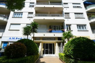 Modern apartment 4 persons near train station Acropolis in Nice
