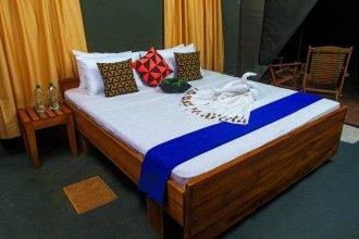 the campers lodge luxury  camp yala