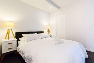 SANTERI, 2BDR Melbourne Apartment