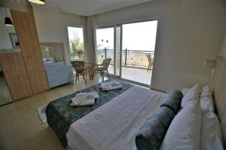 Villa Baynur by Akdenizvillam