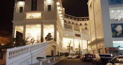 Duc Huy Grand Hotel & Spa