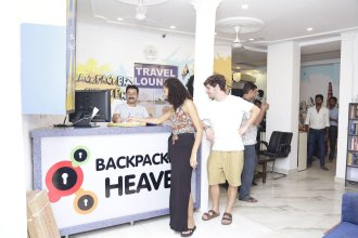 New King by Backpackers Heaven