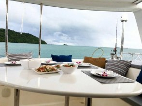 Discover Catamaran Phuket - Lagoon421