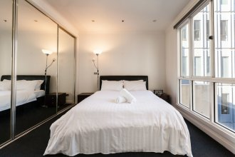 CLAUDE, 2BDR Melbourne Apartment