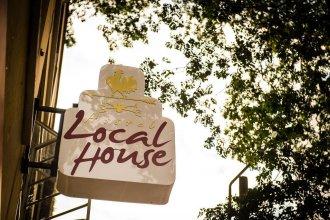 Local House Hostel