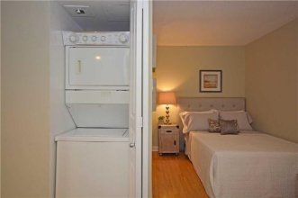 MiCasa Suites Stylish Condo by St. Lawrence Market