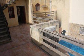 Tas summiena Farmhouse Gozo