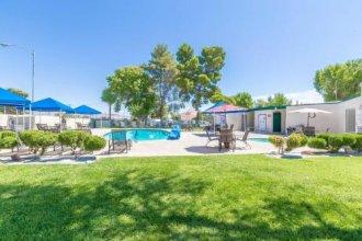 Las Vegas Camping Resort Cabin 6