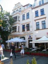 Monte Casino De Luxe- Guest House