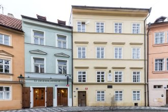 Charles Bridge Hostel & Apartments
