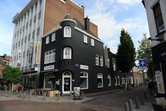 Hotel-O-Theek de Zwaan / Budgethotel