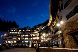 Grand Monastery Apartment