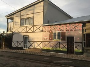 Moj Dom Na Krasnodarskoj Guest House