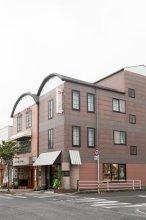And Condominium Airbest