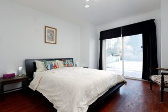 Location! Classic House in Heart of Vancouver