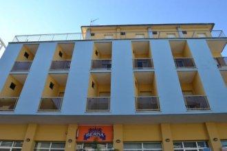 Sunflower Surf Youth Hotel - Hostel