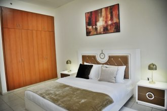 Luxury 4BR Apartment in Horizon Towers