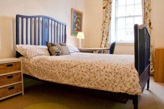 3 Bedroom Apartment in Edinburgh's New Town
