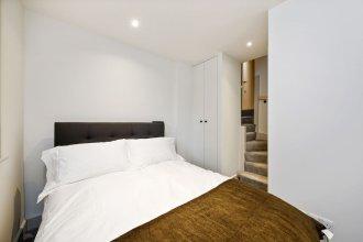 Spacious 2 Bedroom West Kensington Flat