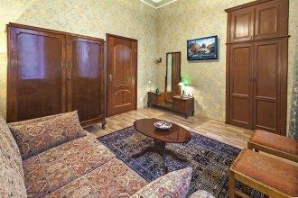 Friends apartment on Vosstaniya
