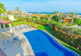 3,000 Sq. Ft. Villa With Beach Club Access: Villa de Phoenix