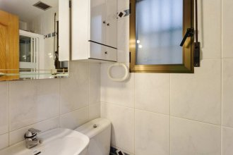Cosy &modern 2bed Apt Perfectly Located, in Madrid