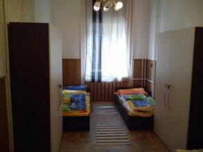 Deak Hostel