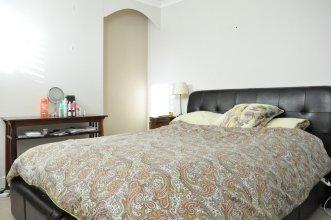 Stunning 2 Bedroom 2 Storey House in Battersea