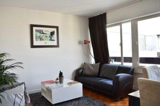 Top Floor 1 Bedroom Apartment Near Gare de Lyon
