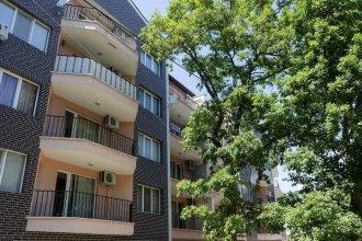 FM Premium 1-BDR Apartment - Riviera Park Varna