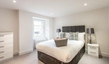 Chester Street 5 Star Residence - Tummel suite