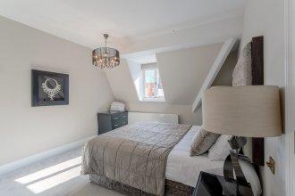 2 Bedroom Flat in Mayfair